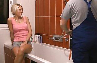 زن بالغ ازبکی تصاویر از خودش طول می کشد در حمام و رفتار فاسد به عنوان اگر دوربین مخفی سکسی عربی او مسن تر از بیست نیست