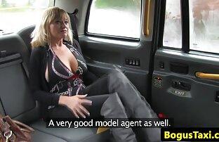 داغ دوربین مخفی سکس اینستاگرام دمیده شده در لباس قرمز بدون شورت در نزدیکی سینک